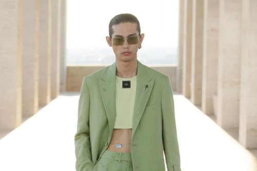 Fendi's Spring 2022 Menswear Collection Is Bringing Back the Men's Crop Top and 'Mandal'