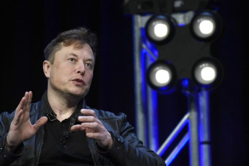 Elon Musk Surpasses Amazon CEO Jeff Bezos as the Richest Person in the World