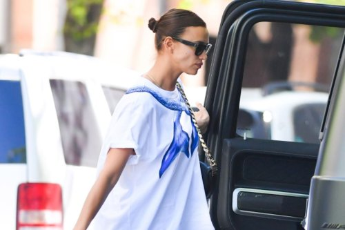 Irina Shayk's Thong Sandals and Mermaid T-Shirt Are The Ultimate Summer Lounge Look