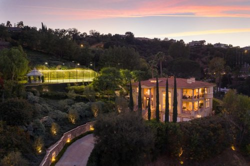 Deon Cole Pays $5.7 Million For Coveted Tennis Court Estate In L.A.