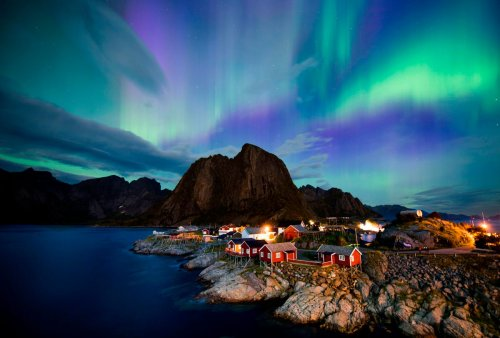 The Ultimate Guide To The World's Best Northern Lights Train Trips