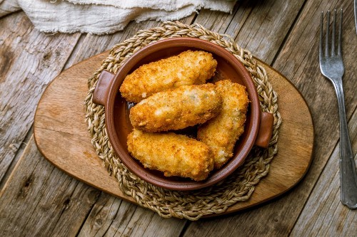Make These Spanish-Style Turkey Croquetas With Your Thanksgiving Leftovers