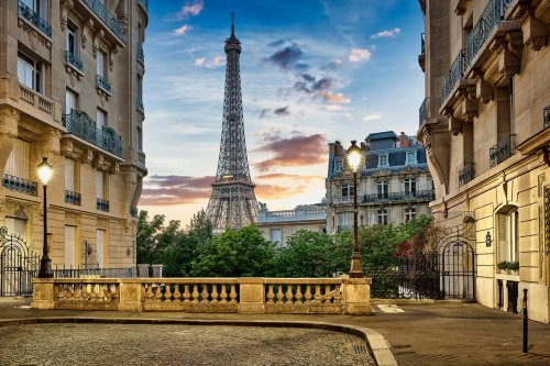 France Mandates Vaccine Passport To Visit Eiffel Tower, Other Tourist Sites—And Restaurants Are Next