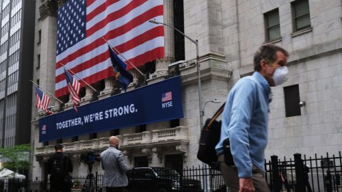 Dow Plunges 350 Points After Another 1.4 Million Americans File For Unemployment