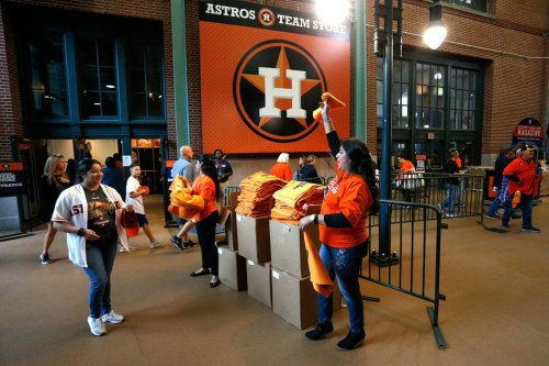 Houston Astros Allowing Fans At MLB Games Is A Dangerous Move