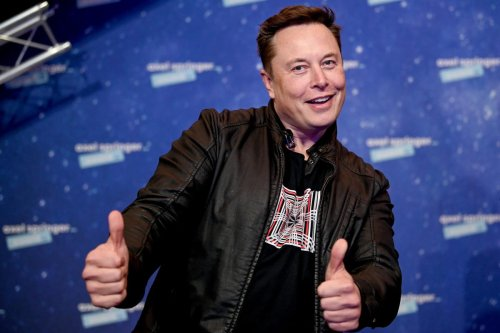Elon Musk Lashes Out At Apple Amid Report He Demanded To Become Its CEO