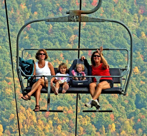 No Car Necessary For These Colorful Fall Foliage Experiences