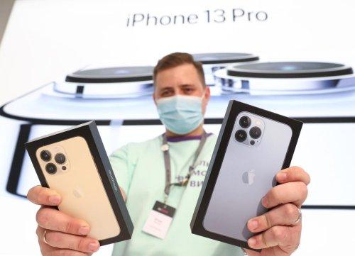 Apple Loop: iPhone 13 Pro Reviews, AirPods Pro 2 Delay, Dangerous MacBook Pro Problems