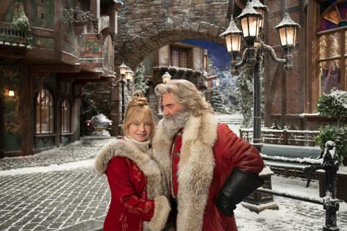 Behind The Scenes Of Netflix Holiday Movie 'The Christmas Chronicles 2'