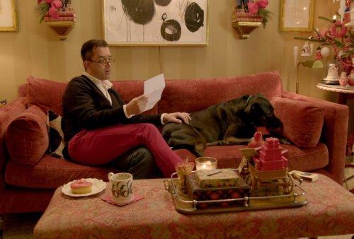 10 Holiday Decorating Tips From Netflix Reality Guru Mr. Christmas
