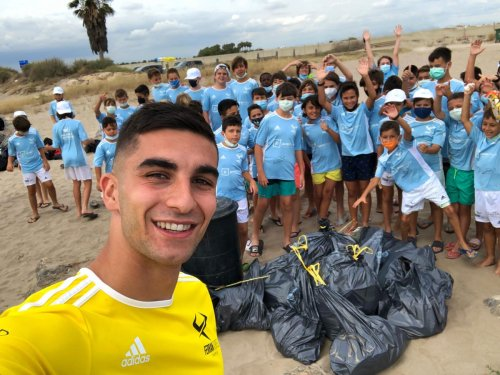 Spain Winger Ferran Torres Is 21, Combats Plastic Waste And Helps Rescue Dogs