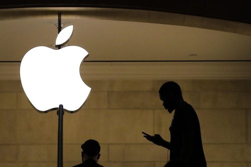 Apple Has Bad News For Some Mac Owners—And Other Small Business Tech News