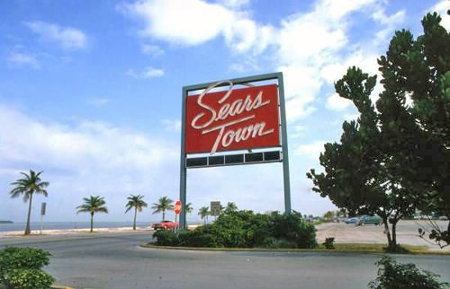 """As The Key West Sears Store Closes, Only One Last """"Sears Town"""" Remains, For Now"""