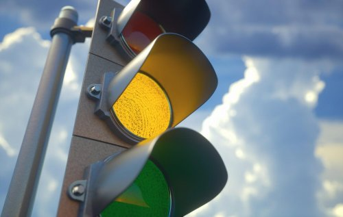 "My Simple ""Traffic Light"" Plan For When To Sell A Dividend Stock"