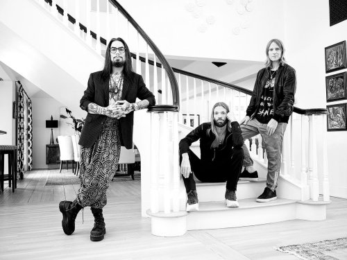 Exclusive: Dave Navarro, Taylor Hawkins And Chris Chaney Talk About Their New Supergroup, NHC