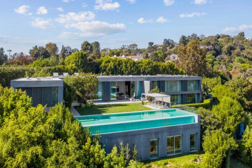 Contemporary Los Angeles Villa With Châteaux DNA Lists For $38.5 Million