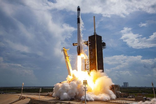 SpaceX Delays Next Astronaut Flight To September