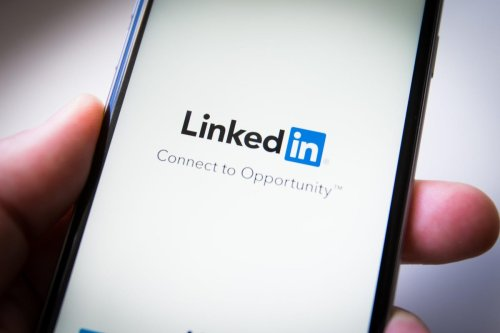 5 Ways To Update Your LinkedIn Profile For A Career Change