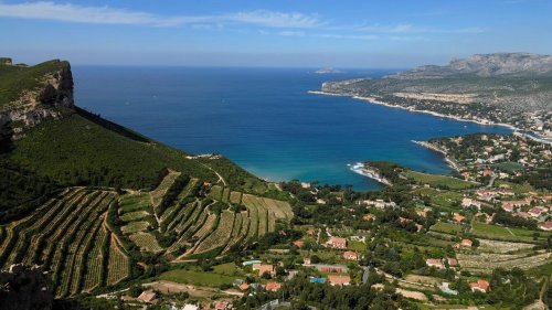 Discover Provencal Fishing Village Cassis In South Of France