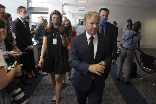 Rand Paul Says 'Throw Your Mask Away' After Covid-19 Vaccination, Don't Do That