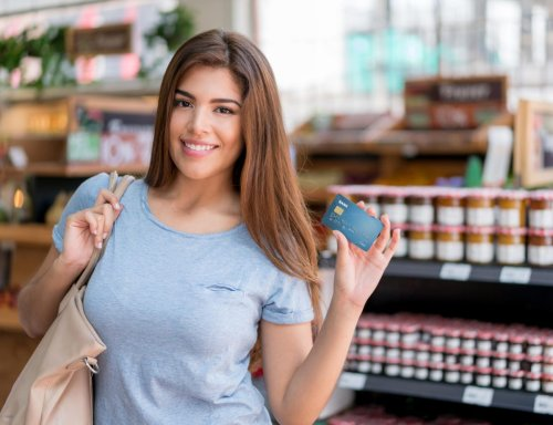 This Week In Credit Card News: Consumers Avoiding Store Cards; Some New Lucrative Credit Card Bonuses