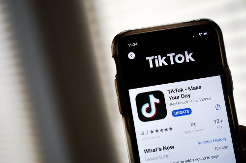 Why TikTok Users Should Switch To iPhones