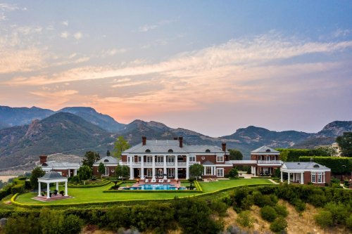 Former NHL Star Wayne Gretzky Lists Southern California Estate For $22.9 Million
