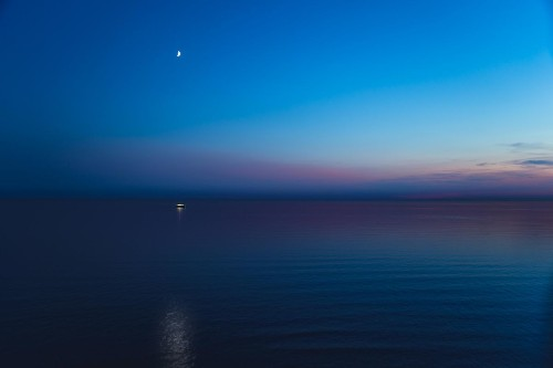 7 Bright Planets And Stars You Can See At Dusk That Will Give You Cosmic Calm After The Chaos