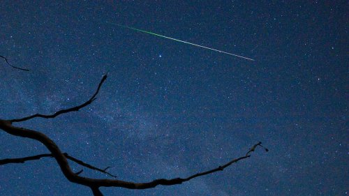 There's A Meteor Shower Tonight. Here's How You Can See And Photograph 'Shooting Stars' This Summer