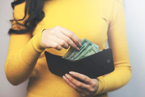 25 Ways To Earn $100 Every Day Online