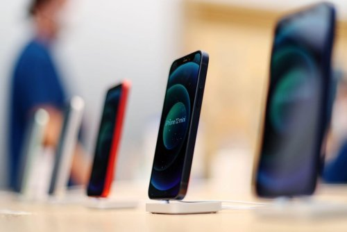 Apple Says Goodbye To iPhone's Successful Failure
