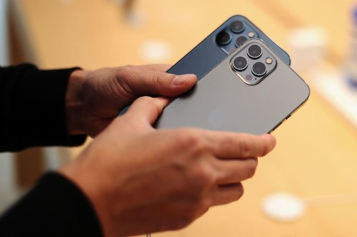 Apple Reveals Radical New iPhone Camera Design