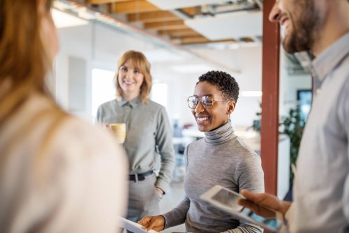 How To Introduce Yourself When You Have Lots Of Experience: Five Steps To A Concise Elevator Pitch