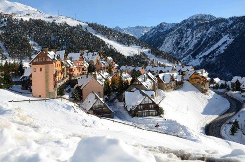 L'empire hôtelier de Lionel Messi s'agrandit avec une station de ski de luxe !   Forbes France