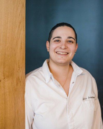Julia Sedefdjian, la plus jeune cheffe étoilée, enchante le Baieta - Forbes France