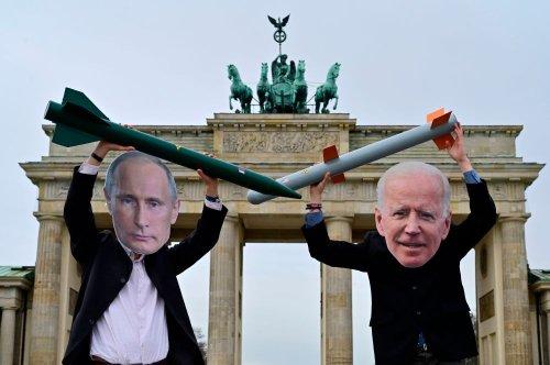 Putin and Biden Curb Their Enthusiasm