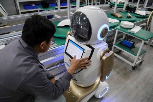 China's Overseas Tech Talent Is Torn Over Going Home
