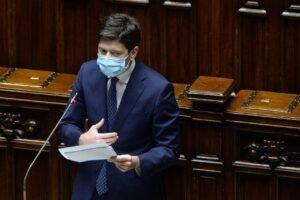 """Speranza: """" Chi rifiuta Astrazeneca va in fondo alla fila e sarà l'ultimo dei vaccinati """""""