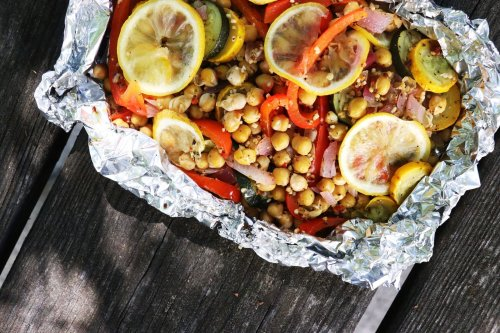 Grilled Greek Chickpea Foil Packets - Forkly