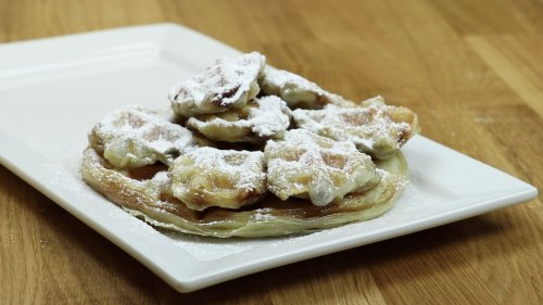 Nutella & Marshmallow Waffle Puffs - Forkly