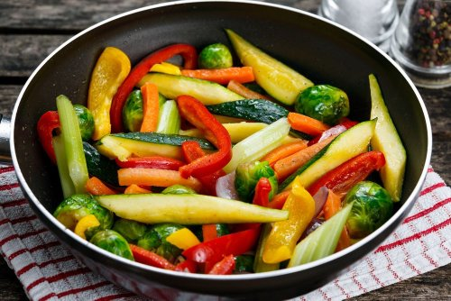 10 Mistakes You're Making When Cooking Vegetables - Forkly