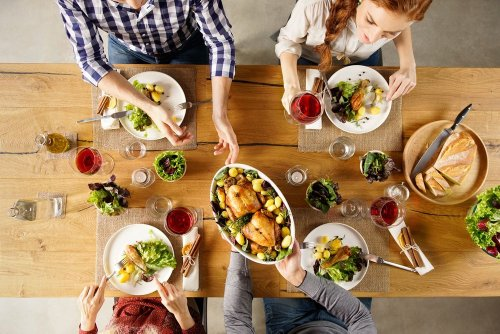 Why Families Are Switching From Takeout to Meal Delivery Kits in 2021 - Forkly