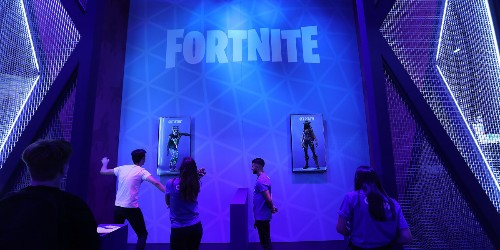 Fortnite users flee after getting caught in Apple dispute