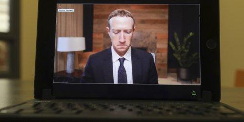 Facebook employees are losing faith in Mark Zuckerberg