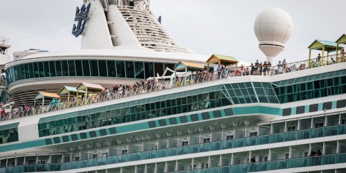 Cruise companies enlist former FDA head and other big names in health to a bid to woo back passengers