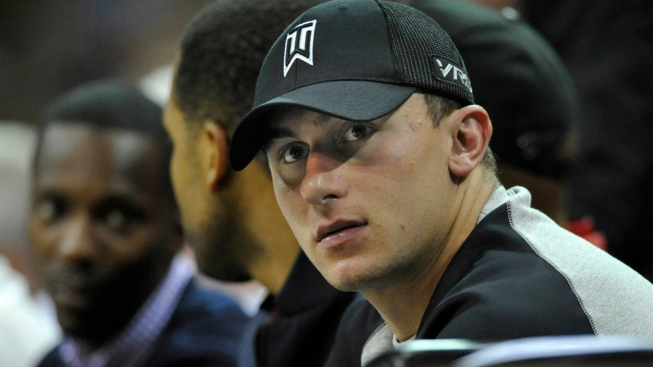 Johnny Manziel admits he sold autographs for this whopping amount while at Texas A&M