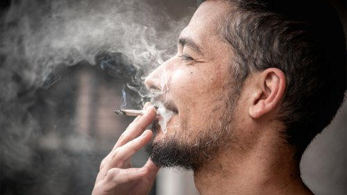 NYPD gives cops new orders to let people smoke weed in public