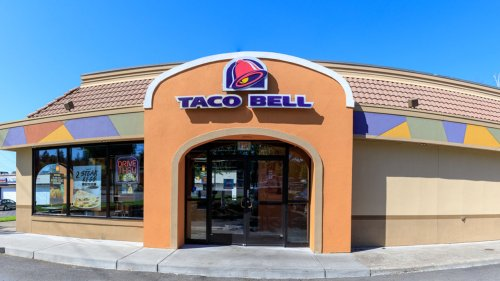 Taco Bell hot sauce packets, which are usually free, are now a hot commodity on eBay