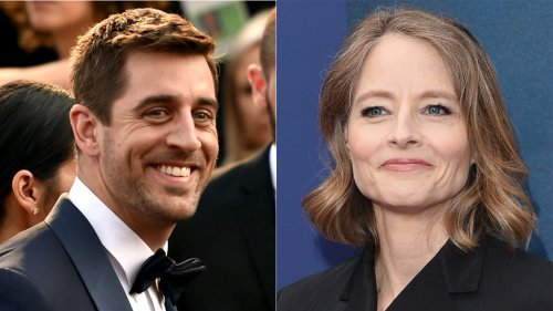 Jodie Foster thanks Packers quarterback Aaron Rodgers during Golden Globes speech