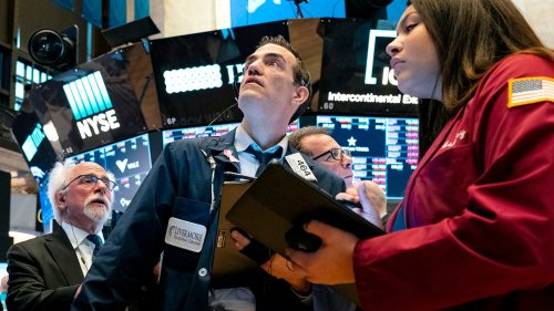 Stock futures plunge as Fed gives no stimulus indication